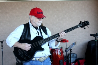 Paul Snelgrove playing bass